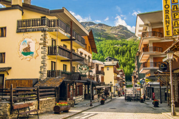 G8FGPE The town of Breuil-Cervinia, Aosta valley, Italy.